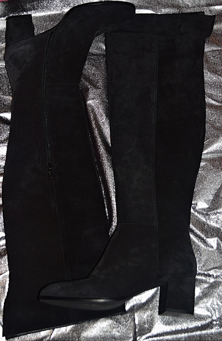 REAL BLACK BOOTS.jpg